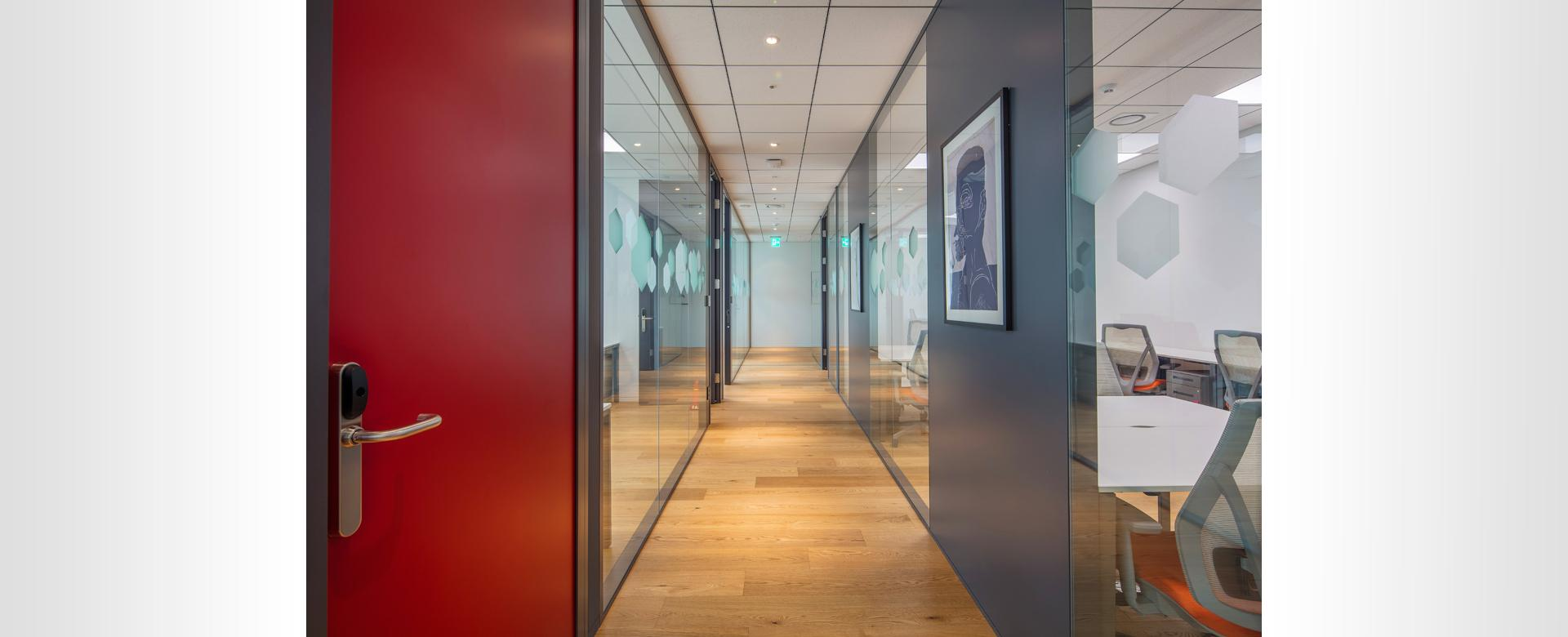 high acoustic performance, flexible office spaces as well as creative meeting spaces